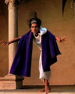 Maser_Vogue_Italia_February_1991_03.thumb.png.073c18f5a66231591ebbf4138058cfd1.png