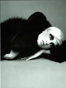 Saikusa_Vogue_Italia_September_1995_02.thumb.jpg.ab1a7102d3ce2046a09bcf44a9b99463.jpg