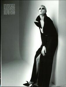 Saikusa_Vogue_Italia_September_1995_04.thumb.jpg.cc54907d4aa06e6be0454a0475f75978.jpg