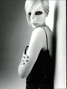 Saikusa_Vogue_Italia_September_1995_05.thumb.jpg.d4741b0a6afc2d02c12e70eb05316911.jpg