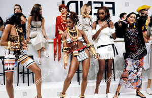 fendi-spring-1992-ready-to-wear-presentation-shutterstock-editorial-10431002g.jpg