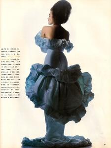 italia_vogue_october_1990_34.thumb.jpg.d75e2f5d1fae075b9660c34bb3403e72.jpg