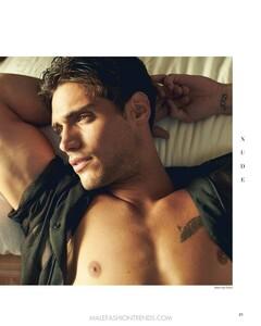 richard-deiss-santiago-bisso-nude-magazine-04.thumb.jpg.fcfe4e687494c6b4d408c1b4b6ed0d5d.jpg