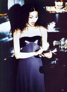 1030395845_Vogue-September1994(9-1994)USAEllenvonUnwerthModernClassics1.thumb.jpg.2e5873828755a8b35fc33c5ddcca99a6.jpg