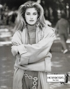 henri bendel 1990 6 by patrick demarchelier.jpg