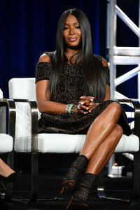 Naomi+Campbell+2020+Winter+TCA+Tour+Day+8+kohBROlarUdx.jpg