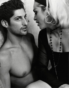 1990101902 - Herb Ritts [Backstage @ Jean-Paul Gaultier Fashion Show - Moda Magazine, March 1991].jpg