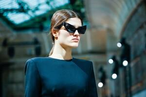 Alexandre-Vauthier-Haute-Couture-SS20-Paris-29512-1579626086.thumb.jpg.19a605bcba497519e41d3da80d51397b.jpg