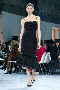 Alexandre-Vauthier-Haute-Couture-SS20-Paris-9460-1579626074.thumb.jpg.a5737bd782b94ae51e8986791837d8e9.jpg