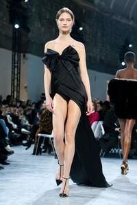 Alexandre-Vauthier-Haute-Couture-SS20-Paris-9695-1579626269.thumb.jpg.e720ab08630edcf9ca7c4dd5fa015571.jpg