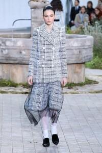 Chanel-Haute-Couture-SS20-Paris-2125-1579602043.thumb.jpg.34eb6eb1077f8cfd5ae0c827c08ea695.jpg