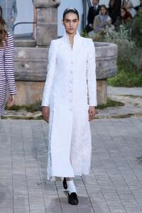 Chanel-Haute-Couture-SS20-Paris-2266-1579602201.thumb.jpg.d7d60129c5d332d0d7d81e61aacfd9cb.jpg