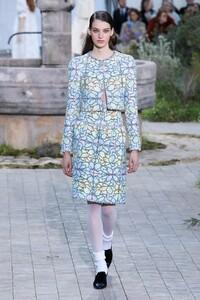 Chanel-Haute-Couture-SS20-Paris-2363-1579602303.thumb.jpg.f47374bd50965508b8bc906129a28197.jpg