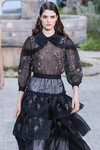 Chanel-Haute-Couture-SS20-Paris-2562-1579602513.thumb.jpg.2067f15844b33b905c1ee187a0a3f684.jpg