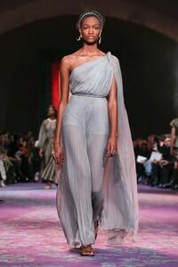 Dior-Haute-Couture-SS20-Paris-0538-1579532835.thumb.jpg.b5cfa7218a347cb8286275b81e3fb213.jpg
