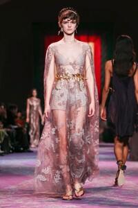 Dior-Haute-Couture-SS20-Paris-0622-1579532946.thumb.jpg.9f5f9c2791f4a334c3042634c4874818.jpg