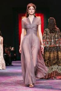 Dior-Haute-Couture-SS20-Paris-0691-1579533044.thumb.jpg.080fca903326cc3600b1dee41b0e3cad.jpg