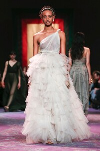 Dior-Haute-Couture-SS20-Paris-0723-1579533095.thumb.jpg.815a2b353fef8888564439ba45aa39a2.jpg