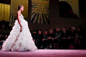 Dior-Haute-Couture-SS20-Paris-6052-1579536751.thumb.jpg.70c74d942d80261b0e4e8fa00fdc1924.jpg