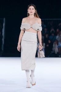 Jacquemus-Menswear-FW20-Paris-6298-1579369947.thumb.jpg.7536daf6beb05bf063724b3b22b2b086.jpg