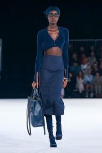 Jacquemus-Menswear-FW20-Paris-6578-1579370264.thumb.jpg.3f5290afe9af7d08b4eec2ccd36e2afa.jpg