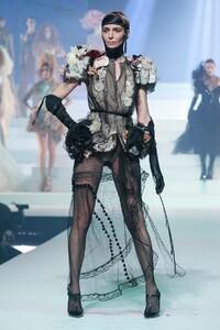 Jean-Paul-Gaultier-Haute-Couture-SS20-Paris-6186-1579731789.thumb.jpg.5ebd55271b8355124a7469532ca03bba.jpg