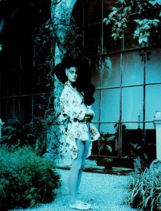 Lindbergh_Vogue_Italia_June_1985_05.thumb.png.45c3d84ed3088d3fafff9fa6e3ff7168.png
