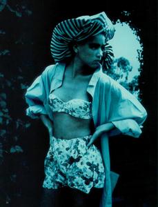 Lindbergh_Vogue_Italia_June_1985_08.thumb.png.69df7085fba9baae0b45c74c2dcf2917.png