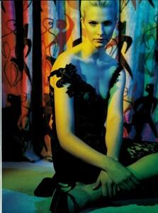 Meisel_Vogue_Italia_August_1995_02.thumb.jpg.ffa956eee80e8839c7d69d6f9c52362a.jpg
