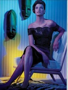 Meisel_Vogue_Italia_August_1995_05.thumb.jpg.7c32bb5b4584e713c1a8561cd7e55609.jpg