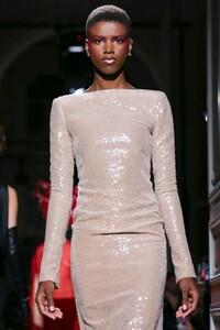 Valentino-Haute-Couture-SS20-Paris-2018-1579718445.thumb.jpg.a1ddc8a13f3dfe6fa09ec57bfeb85a97.jpg