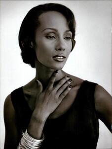 Weber_Vogue_Italia_August_1995_11.thumb.jpg.57a62e4ef416377f3c119d1b37571bef.jpg