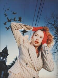 clare-mulholland-jacket-vivienne-westwood-the-birds-photography-nina-schultz-styling-seta-niland-the-face-no-77-february-1995-1545_o.thumb.jpg.ed2138cabf2aa04adc3dc11120dc937d.jpg