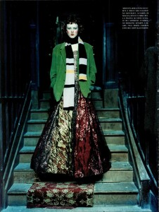 ARCHIVIO - Vogue Italia (November 1997) - Huntington Castle - 011.jpg