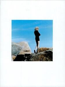 ARCHIVIO - Vogue Italia (August 2003) - Gleams and More - 008.jpg