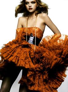 Vogue_Italia_Março2005_phNathanielGoldberg_GemmaWard_05.jpg