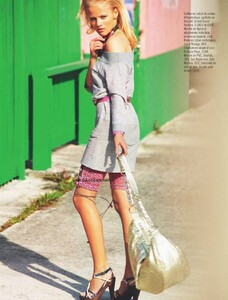Glamour France (May 2010) - Miami Flash - 006.jpg