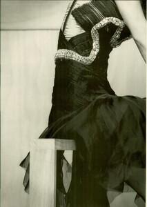 ARCHIVIO - Vogue Italia (March 2004) - Jennifer Connelly - 007.jpg