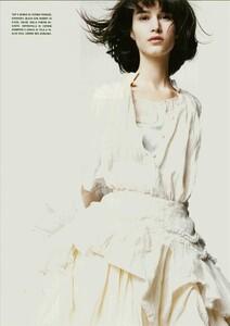 ARCHIVIO - Vogue Italia (June 2004) - A Play of Ruffles - 010.jpg