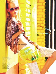Glamour France (May 2010) - Miami Flash - 005.jpg