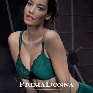 2030433398_PrimaDonna_Couture_JewelryGreen(2).thumb.jpg.df62e54cd9ceb8deec059dbf43e52c04.jpg