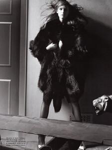 Vogue Italia (October 2005) - Wild Elegance - 006.jpg