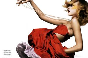 Vogue_Italia_Março2005_phNathanielGoldberg_GemmaWard_03.jpg