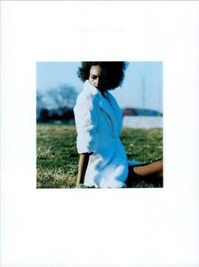 ARCHIVIO - Vogue Italia (August 2003) - Gleams and More - 004.jpg