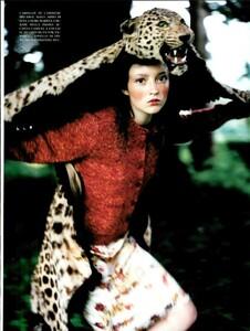 ARCHIVIO - Vogue Italia (November 1997) - Huntington Castle - 008.jpg