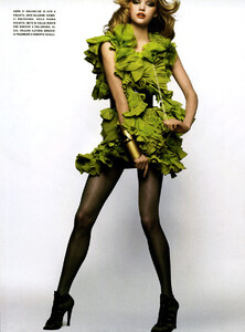 Vogue_Italia_Março2005_phNathanielGoldberg_GemmaWard_09.jpg