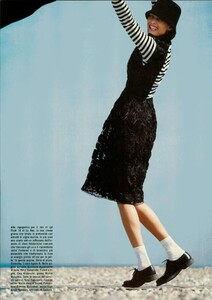 ARCHIVIO - Vogue Italia (December 2004) - En Plein Air - 008.jpg
