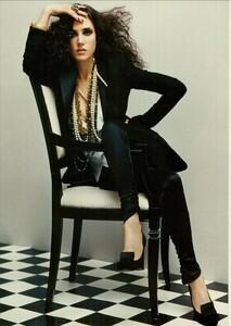 ARCHIVIO - Vogue Italia (March 2004) - Jennifer Connelly - 009.jpg