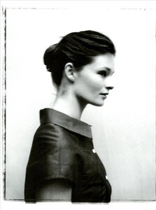 ARCHIVIO-Vogue-Italia-February-2001-People-To-Watch-003.jpg