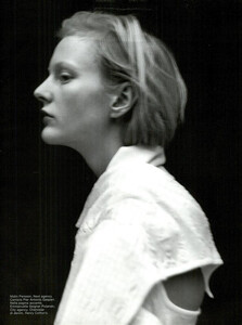 ARCHIVIO-Vogue-Italia-February-2001-People-To-Watch-018.jpg